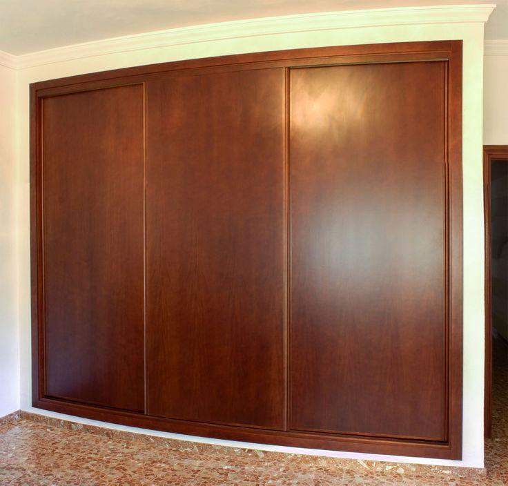 Armario empotrado amedida de tres puertas correderas for Ideas para puertas de closet