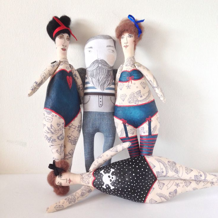 Dad and the girls  #sewing #doll #dolls #tattoo #tattoogirl #dollart #painting
