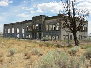 Abandoned High School in Hanford, Washington by Ron & Jane [OS] [3264 × 2448] : AbandonedPorn