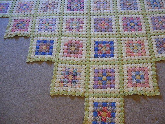 Pretty yo-yo quilt :) YO YO S Pinterest Yo yo quilt, Quilt and Vintage