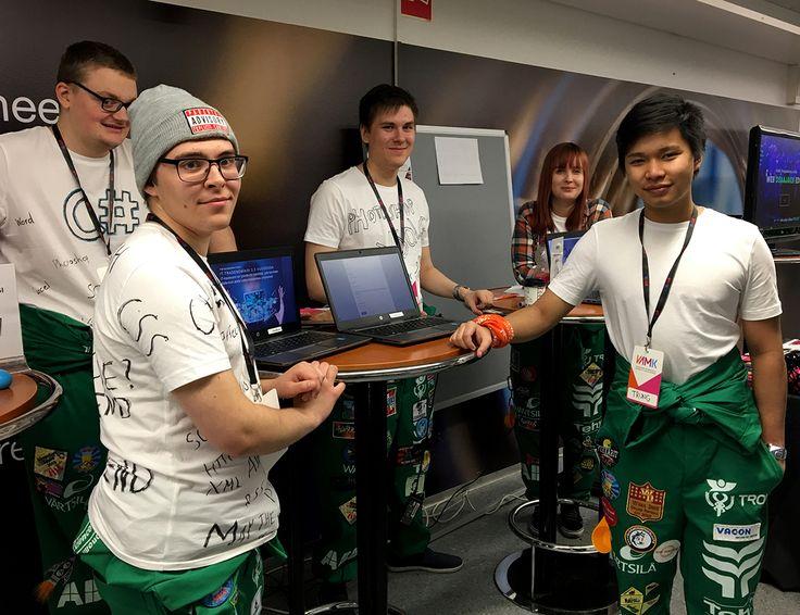 VAMK Business Information Technology -students in the Lukiopäivä-event 2016.
