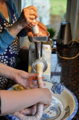 Hjemmelavede pølser. Italienske pølser med fennikel.