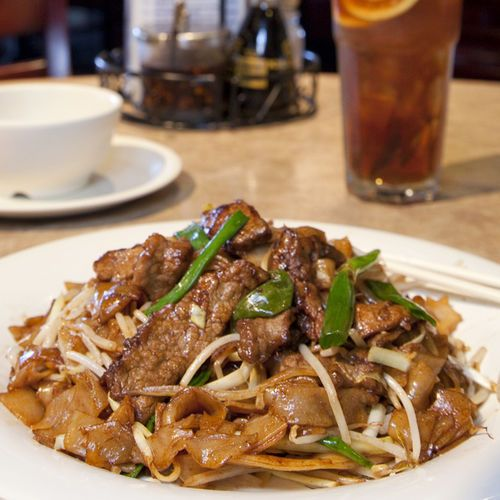 Cheap & Good Eats: Top 5 Budget Lunch Spots in Chinatown