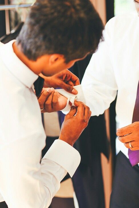 #wedding #preparations #groom #groomsmen #melbourne #cufflinks #weddingphotographer #weddingphotography #photographer #bestman #suit