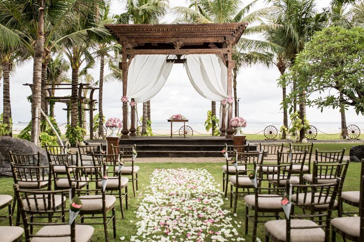 Is this not the most beautiful beachside ceremony setting you have ever seen!