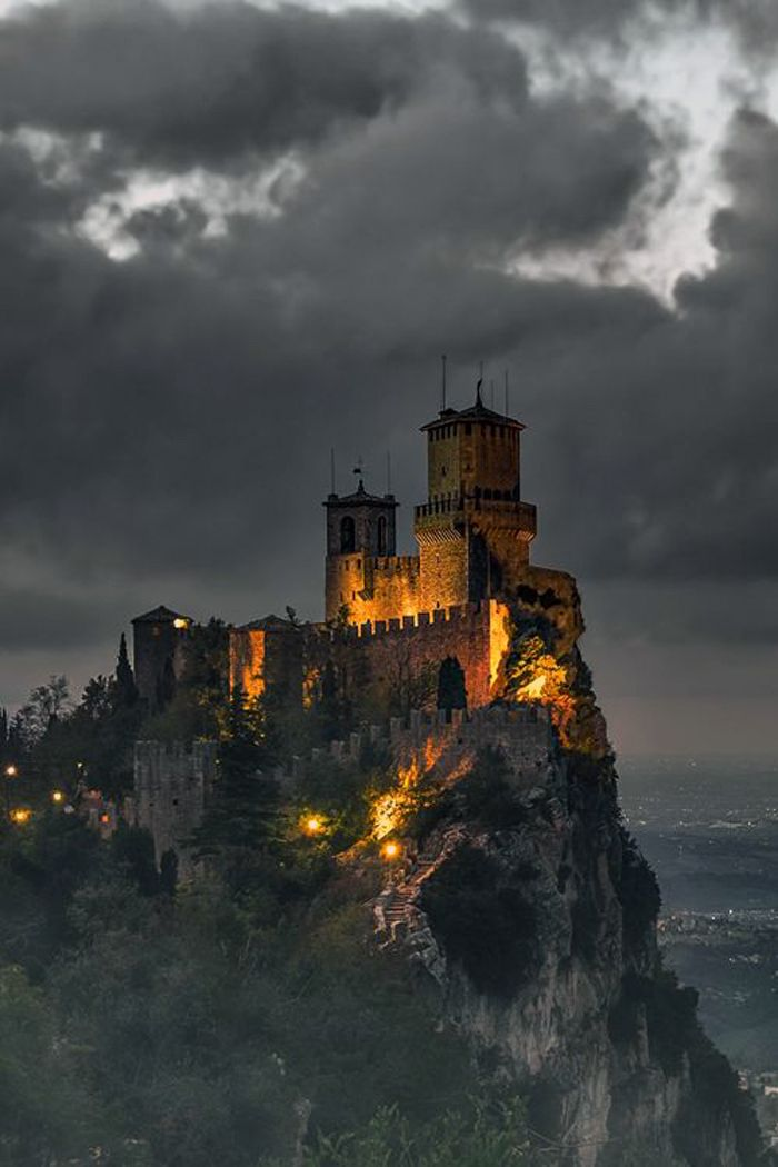 I would love to explore here. San Marino Castle, Italy
