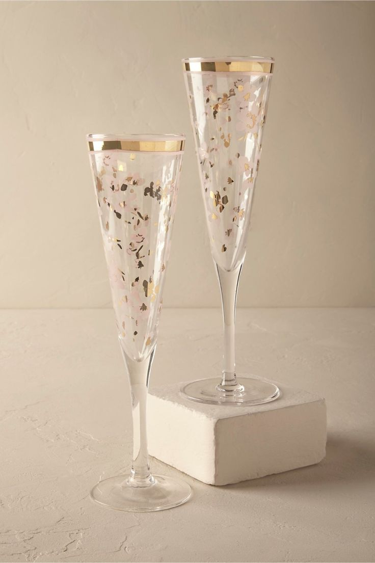medley of wildflowers | Wild Blossom Flutes from BHLDN