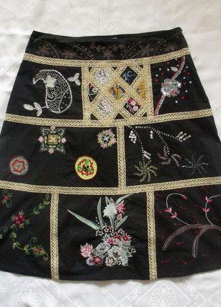 Lysgaard - czarna piękna zdobiona spódnica hafty folk - 40 Kup mój przedmiot na #vintedpl http://www.vinted.pl/damska-odziez/spodnice/11308729-lysgaard-czarna-piekna-zdobiona-spodnica-40