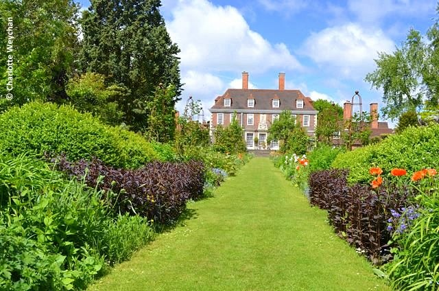 Edwin Lutyens' garden in Kent - The Salutation