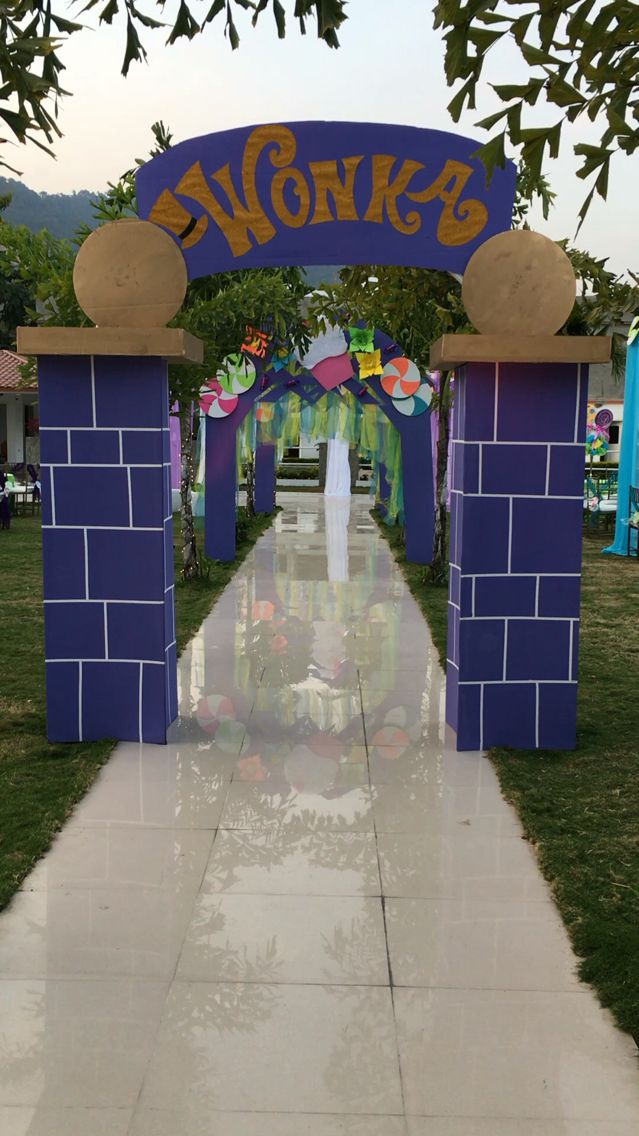 Willy Wonka entrance by Ana María Balda chocolate factory