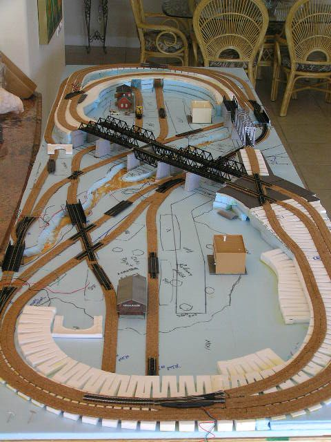 17 best ideas about model train layouts on pinterest model trains model building and train table - Ho scale layouts for small spaces concept ...