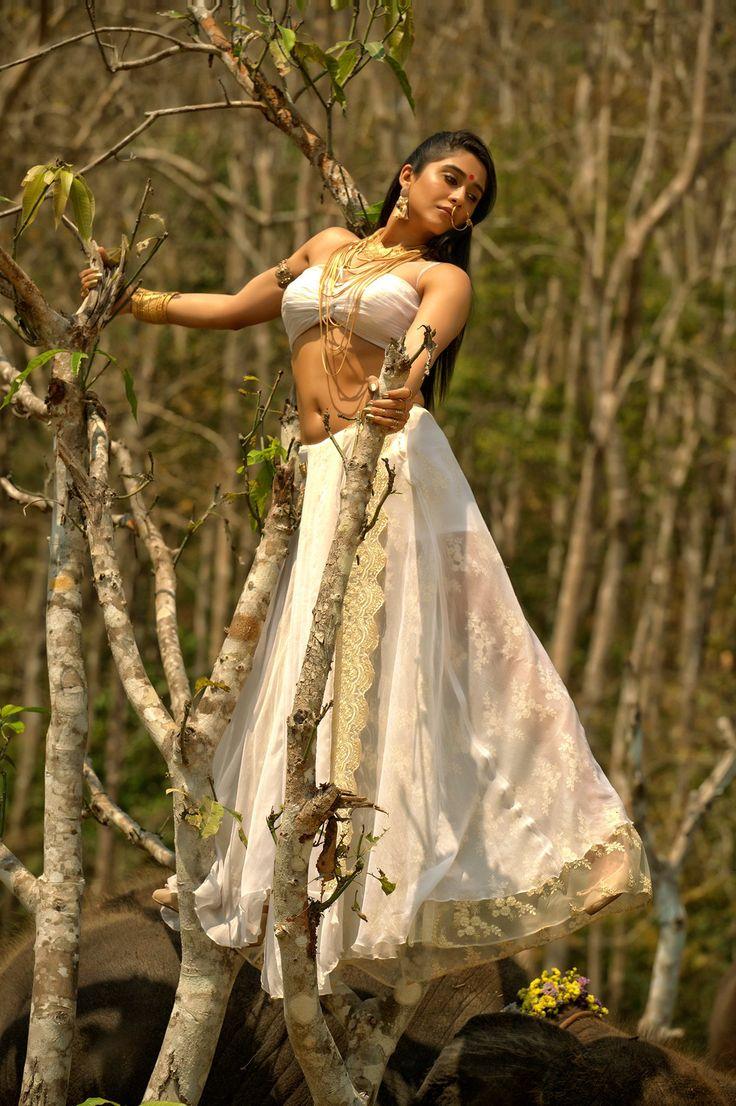 Nakshatram Movie Latest working Stills follow Regina latest pics,regina cassandra photos hd,regina hot images,regina hot photos