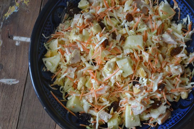 Mijn kookavonturen: Koolsalade met oude kaas, gerookte kipfilet en appel