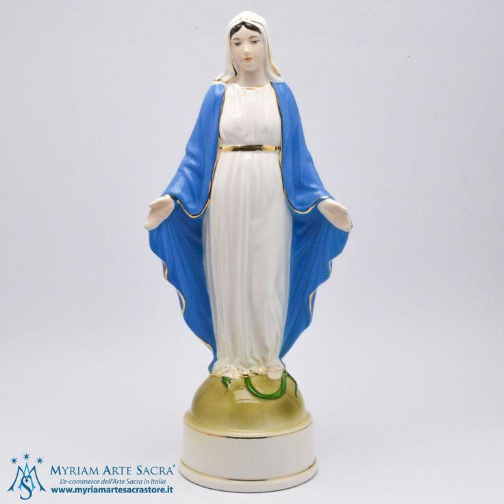Statua Madonna Miracolosa realizzata in porcellana, e finemente dipinta a mano. La statua è prodotta da un'azienda esclusivamente made in Italy che è presente sul mercato da oltre 30 anni.  H CM 30 #myriamartesacra