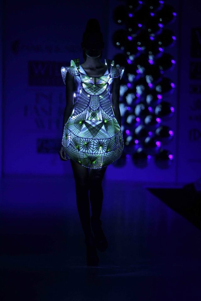 pankaj-nidhi-ss12-light-show-dress-on-exshoesme.jpg 640×960 pixels