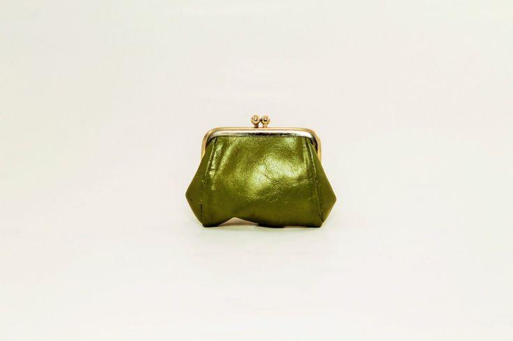Green vinyl change wallet, Green Coin Wallet, Vinyl Change Purse by ClockworkRummage on Etsy