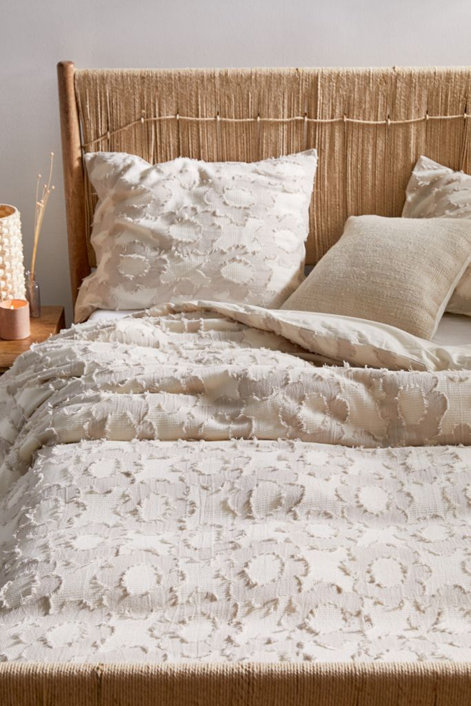 Clipped Daisy Duvet Cover Urban Outfitters Textured Duvet Cover Textured Duvet Duvet Covers