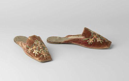 Pair of slippers, ca. 1840; Rijksmuseum BK-NM-8599-A