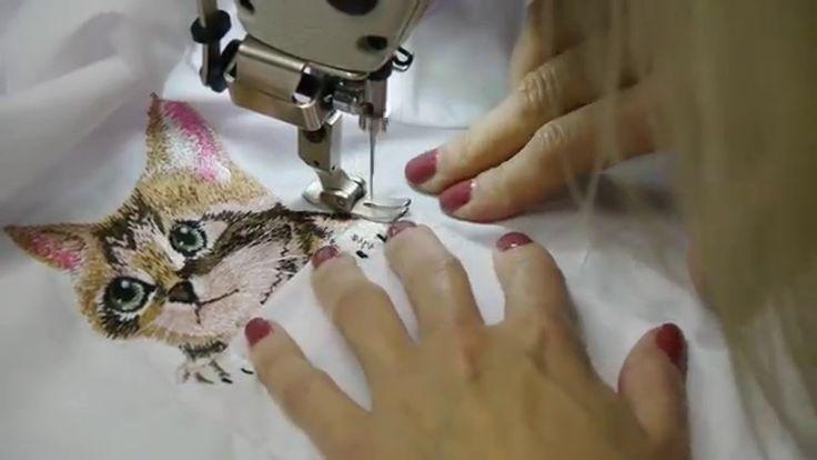 Вышивка котов на кармане рубашки