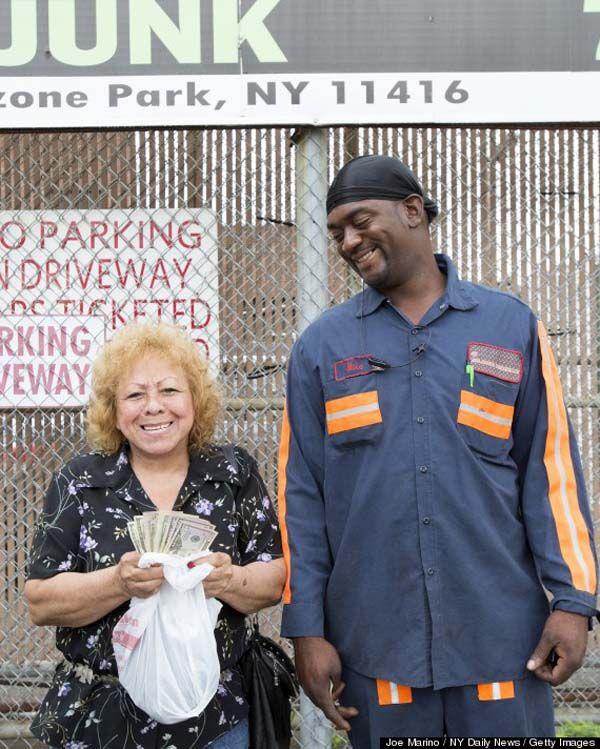 Mike Downer encontró 5.000 dólares en una nevera vieja y se los devolvió a sus propietaria… Eran los ahorros de toda una vida.