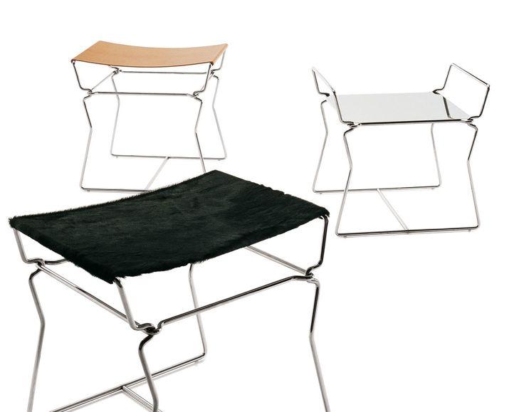 Small Table: PYLLON - Collection: B&B Italia - Design: Nicole Aebischer
