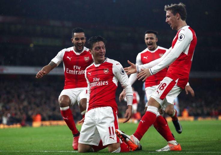 Arsenal s'est imposé sur le score de 3-1 face à Stoke City, les hommes de Mark Hugues ont commencé très fort avant de se faire gifler par Arsenal. Les buts