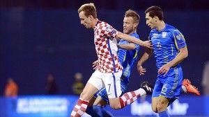 Croacia se impone a Ucrania con una asistencia de Rakitic http://www.sport.es/es/noticias/mundial-futbol/croacia-impone-ucrania-con-una-asistencia-rakitic-5925398?utm_source=rss-noticias&utm_medium=feed&utm_campaign=mundial-futbol