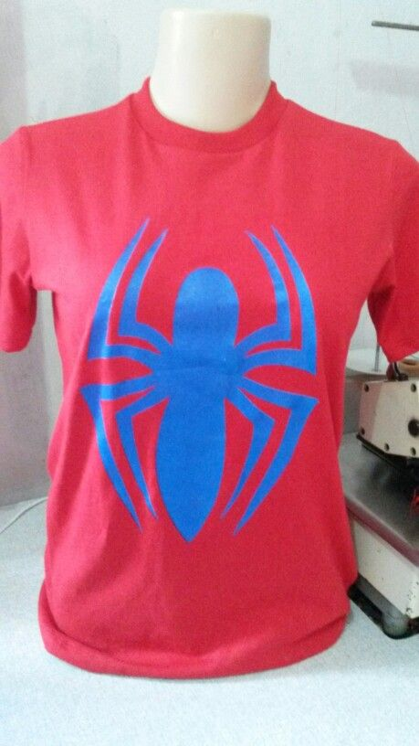 Camisa com a estampa em serigrafia da aranha blue