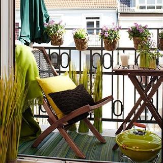 Varandas pequenas: Small Balconies, Balconies Design, Decoration Idea, Gardens, Small Spaces, Outdoor Spaces, Balconies Decoration, Balconies Idea, Tiny Balconies