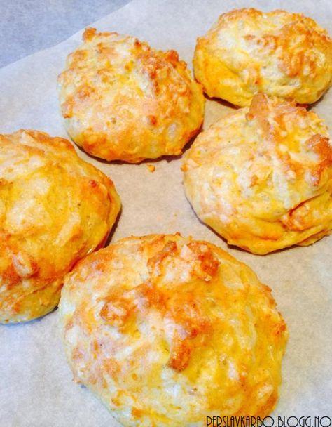 Prøvde meg på osteboller i dag :) De ligner egentlig veldig på Osterundstykkene jeg har laget tid...