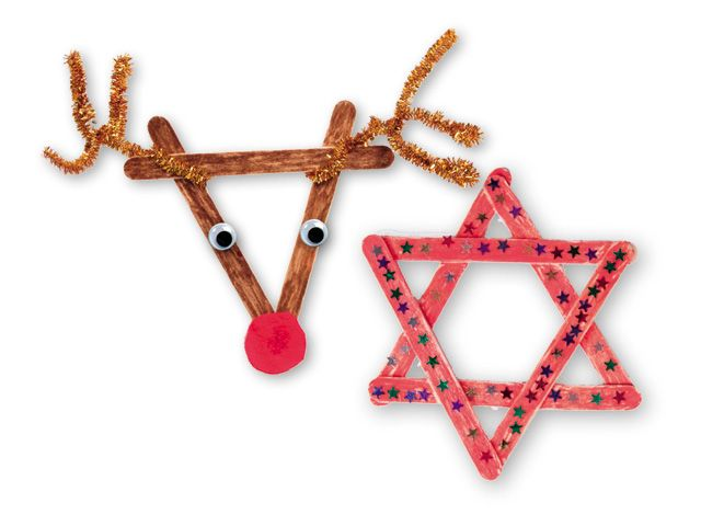 Lol(ly)stokjes - Met eenvoudige lollystokjes maak je de mooiste kunstwerkjes voor in de kerstboom. Een fonkelende ster of een vrolijke Rudolf. Vergeet niet zijn mooie, rode neus te maken van vilt.