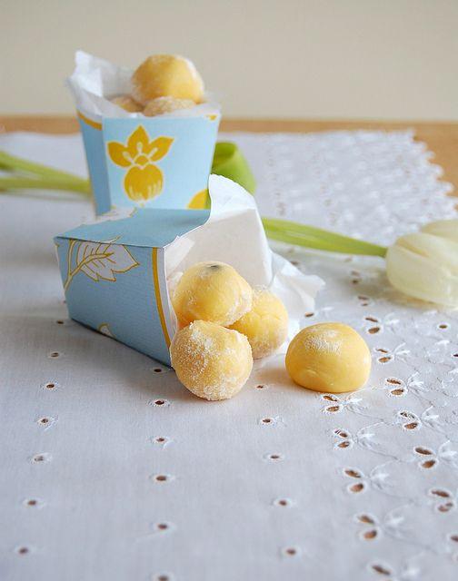 White chocolate passion fruit truffles / Trufas de chocolate branco e maracujá by Patricia Scarpin, via Flickr