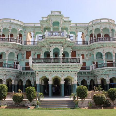 1920's party palace, your home for the night.  Churu, India