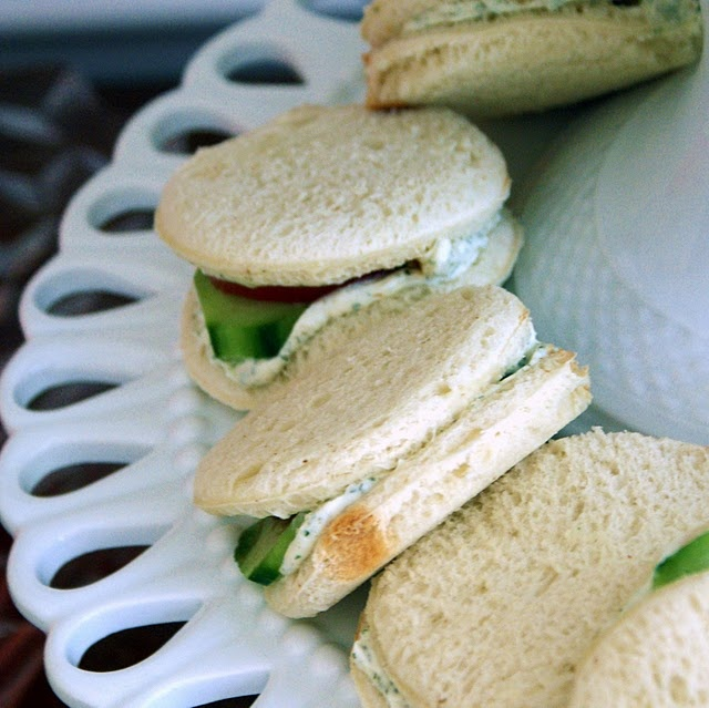 a variety of tea sandwiches, including PB&Js;, chicken salad sandwiches and a delicious twist on cucumber sandwiches.: Teas Sandwiches, Afternoon Teas, Mommy Daughters Dolly Teas, Teas Menu, Parties Ideas, Tomatoes Sandwiches, Cucumber Tomatoes, Teas Parties, Cucumber Sandwiches