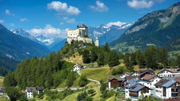 Tarasp Castle in Canton Graubunden (Credit: Tim Graham/Getty)
