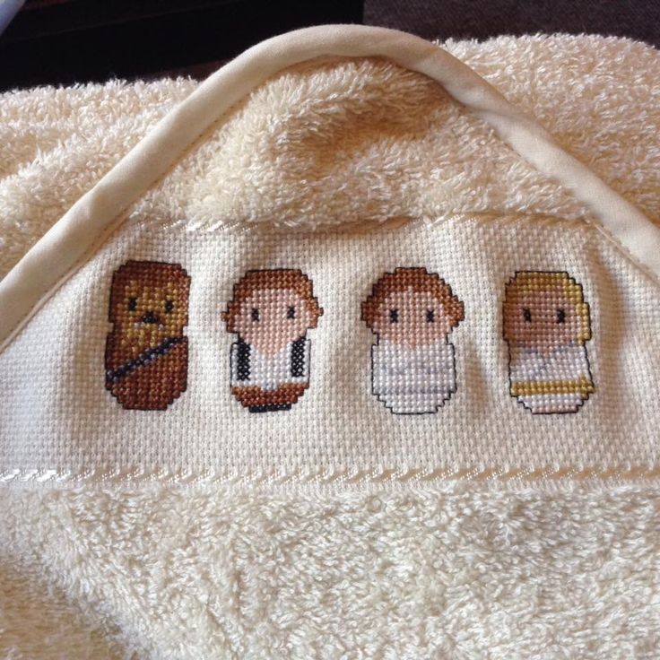 Capa/toalla de bebé con personajes chibi de Star Wars. Punto de cruz.  Baby towel with Star Wars chibi characters. Cross stitch  Basado en/Based on: https://s-media-cache-ak0.pinimg.com/originals/cd/8e/c9/cd8ec9feb00e35a7f9a462e380943884.jpg