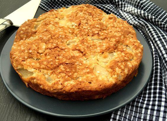 Den lækreste opskrift på pæretærte med makroner, som er både nem at lave og som smager skønt. Server med creme fraiche, flødeskum eller vanilleis.