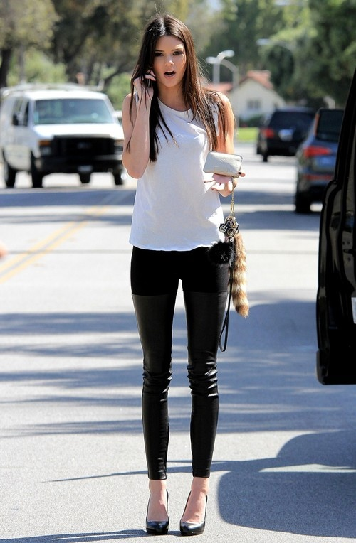 Kendall Jenner at a Gas Station in Los Angeles on April 11, 2013