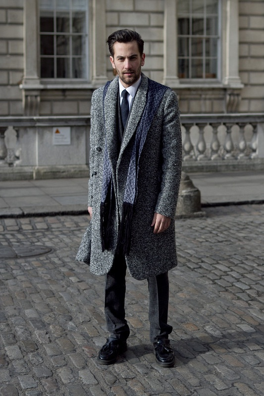 Coggles street style.: Fashion Men, Fall Winter Fashion, Paris Men Street Style, Street Styles, Chic Street, Street Style Men, Coats Rooms, Colour Plays, Men Suits Street Style