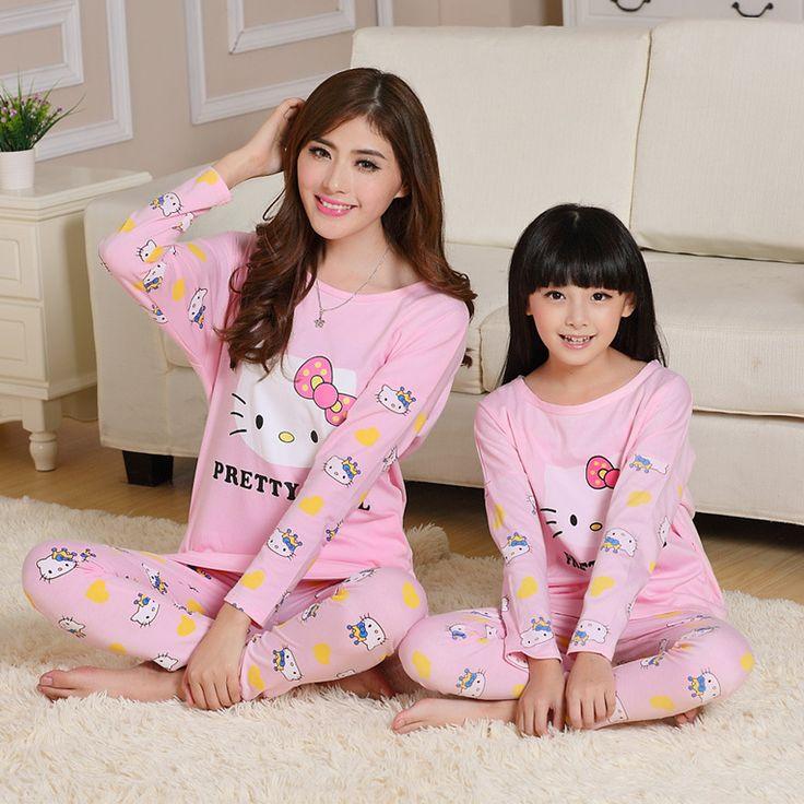2017 Hello Kitty Family Christmas Pajamas Matching Mother and Daughter Clothes Cotton Long Sleeve Pijamas Pyjamas Fille Kids
