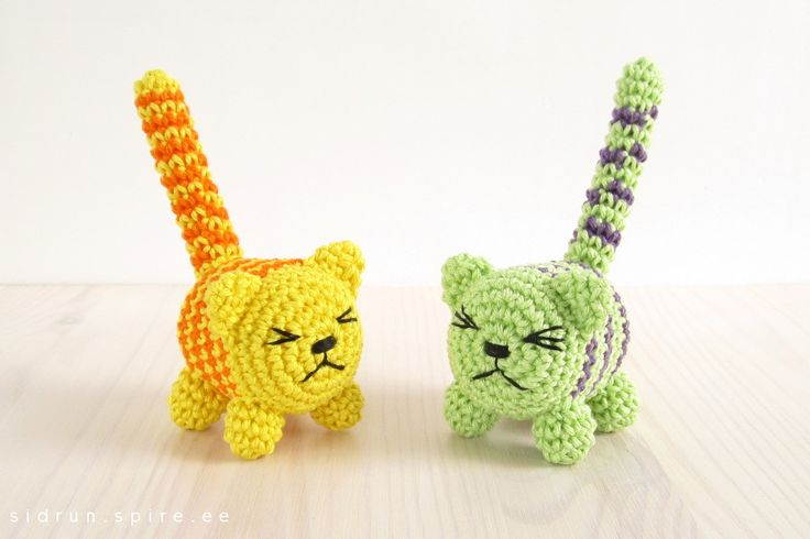 Cat Rattle - Free Amigurumi Pattern here: http://engsidrun.spire.ee/blogs/blog1.php/cat-rattle