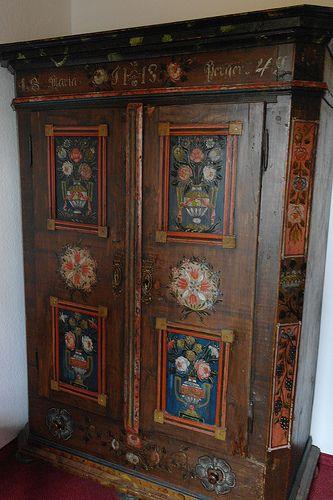 10 best Kunst  #Antiquitäten in #München /art  antiques munich - designer kommoden aus holz antike