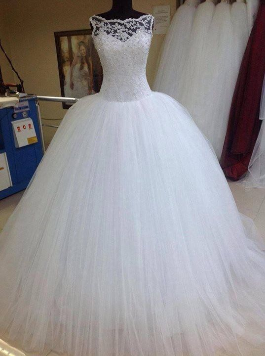 Modest Ball Gown Wedding Dresses Scoop Applique Beaded Tulle Bridal Gowns White/Ivory Custom