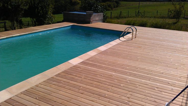 Plage de piscine en Thermopin - Allier 03