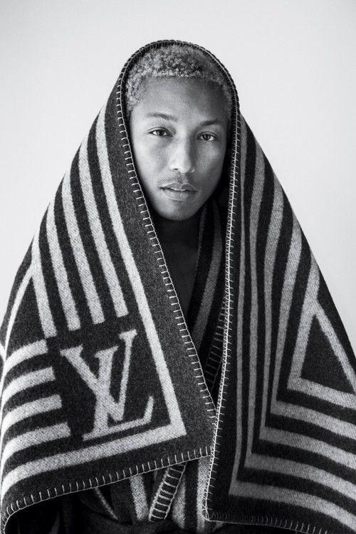 mrdontgiveafuck: my nigga pharrell dat blonde hair only works fo ma nigga breezy tho