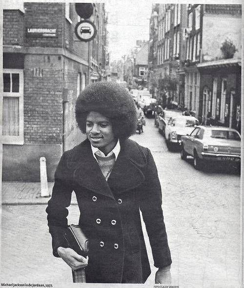 Michael Jackson in de Hazenstraat/Lauriergracht Amsterdam, 1977 © Claude Vanheye. Vlakbij mijn oude school !!