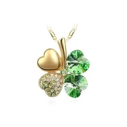 Luxusný prívesok v tvare štvorlístka vo zelenej farbe so striebornými kamienkami. Prívesok obsahuje retiazku o dĺžke 45cm. Prívesok je vyrobený z kvalitnej chirurgickej ocele. Je ideálny na spoločenské večierky a firemné akcie. Prívesok má zlatú farbu tela aby vynikol čo najviac na Vašom krku. Ozdobte sa luxusným príveskom alebo urobte radosť svojim priateľom.