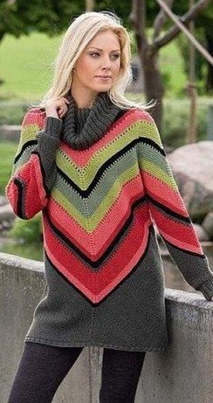 Яркий свитер спицами