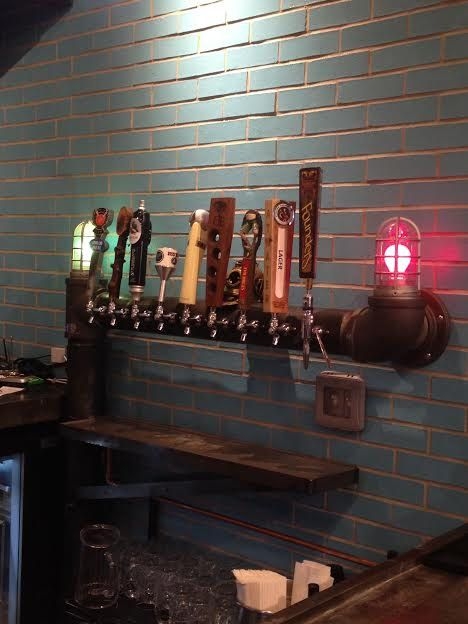 NEW Floor mounted Custom 9 tap Draft Beer Tower System Cage lights w/ Drip Tray Tapped Beer