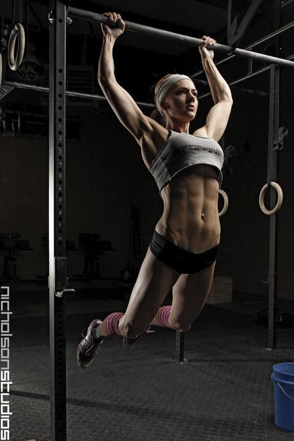 Crossfit beauty butterfly pullups